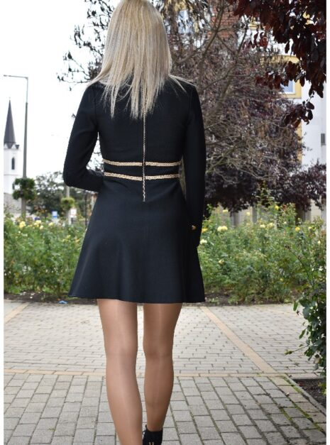 meryll-zsinoros-ruha-3.jpg